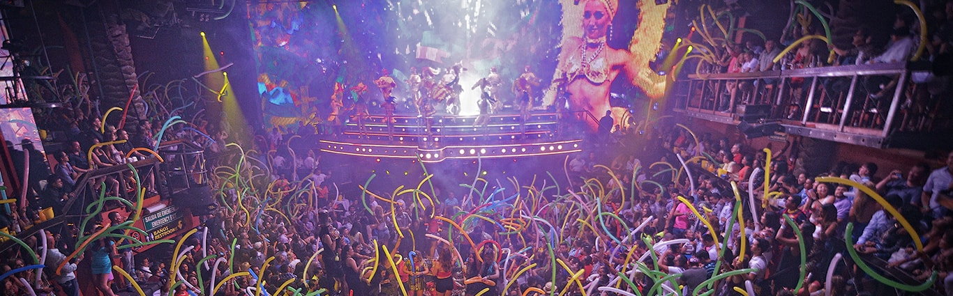 Coco Bongo party time
